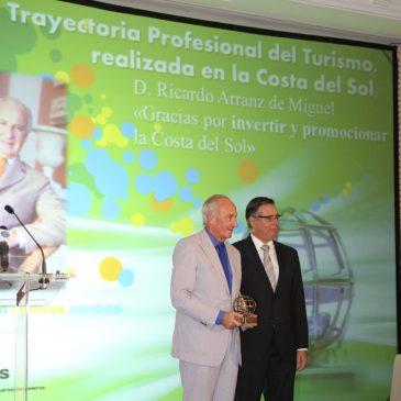 Ricardo Arranz recibe el Premio Aehcos a la Trayectoria Profesional del Turismo