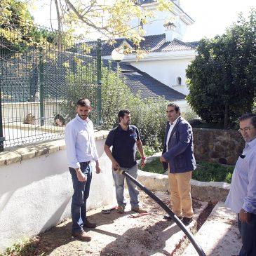 El Ayuntamiento ejecuta los trabajos para solucionar los problemas de abastecimiento de agua de las viviendas sociales de Las Chapas