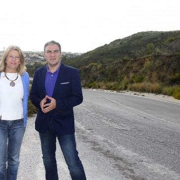 El Ayuntamiento acondicionará y mejorará la seguridad vial de la carretera que une Las Chapas con La Mairena