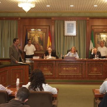El Pleno aprueba instar a la Junta a que asuma su compromiso y mantenga el concierto del 80% de las plazas de la residencia de mayores de El Trapiche