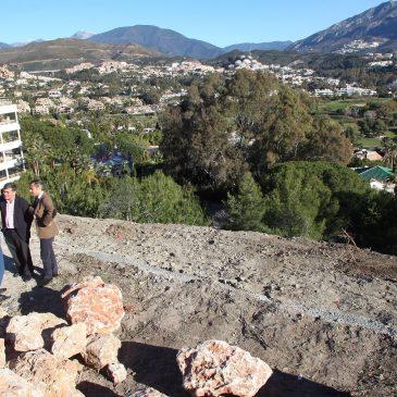 El Ayuntamiento ejecuta las obras para revitalizar y dotar de un mayor atractivo al Mirador de Nueva Andalucía