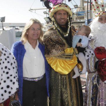 Marbella da la bienvenida en el Puerto Deportivo a los Reyes Magos de Oriente