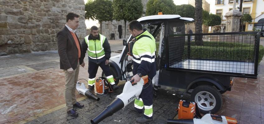 El Ayuntamiento incorpora nueva maquinaria eléctrica al área de limpieza y sigue avanzando en materia de sostenibilidad