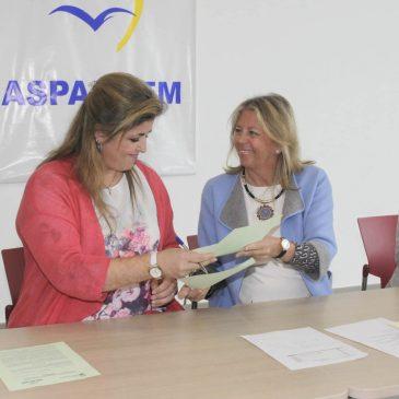 El Ayuntamiento refuerza su compromiso con Aspandem y firma dos convenios para proveerse de plantaciones del vivero de la asociación