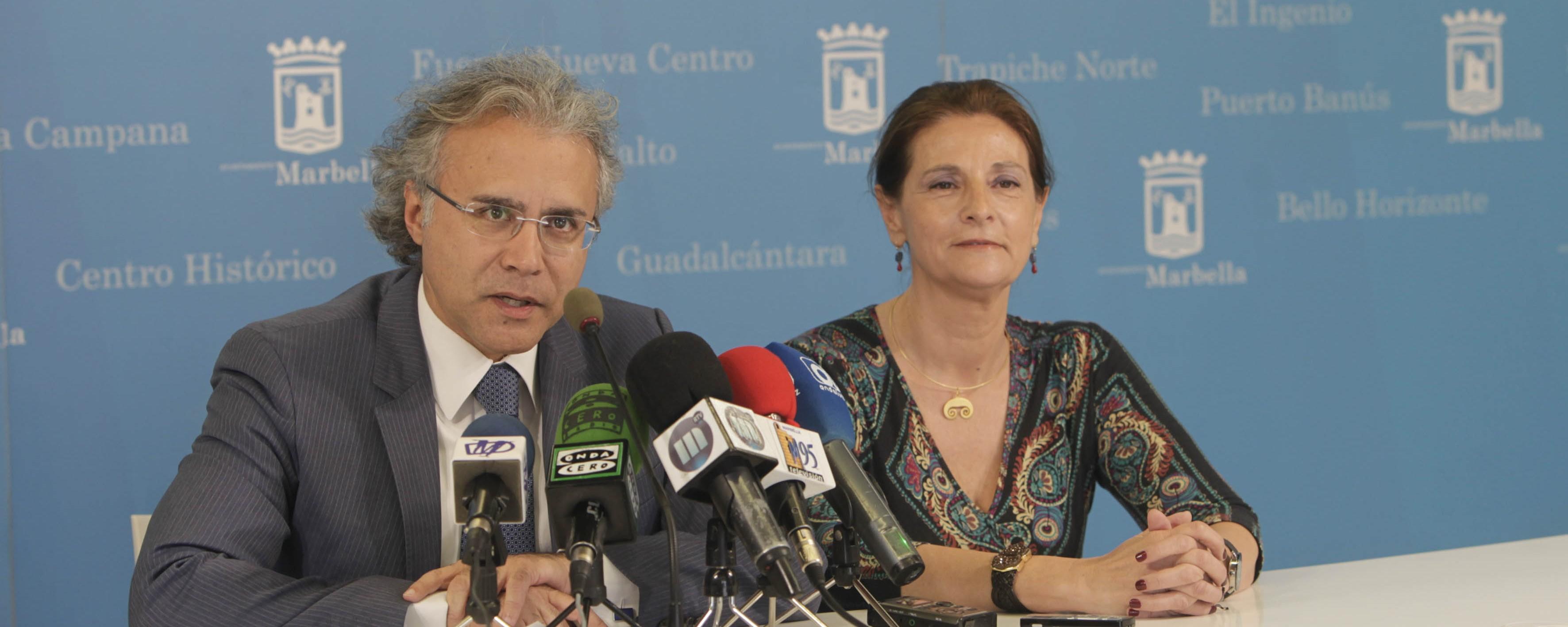 El ayuntamiento y el consulado honorario de rusia abren for Oficina turismo marbella
