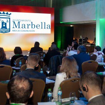 La alcaldesa subraya la importancia de que la ciudad acoja por tercera vez el Foro Ecológico Internacional que aborda la agricultura sostenible ante más de un centenar de asistentes