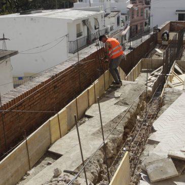 El Ayuntamiento elimina las barreras arquitectónicas y adecua el acerado en la calle Los Sitios y mejora la movilidad en Valentuñana
