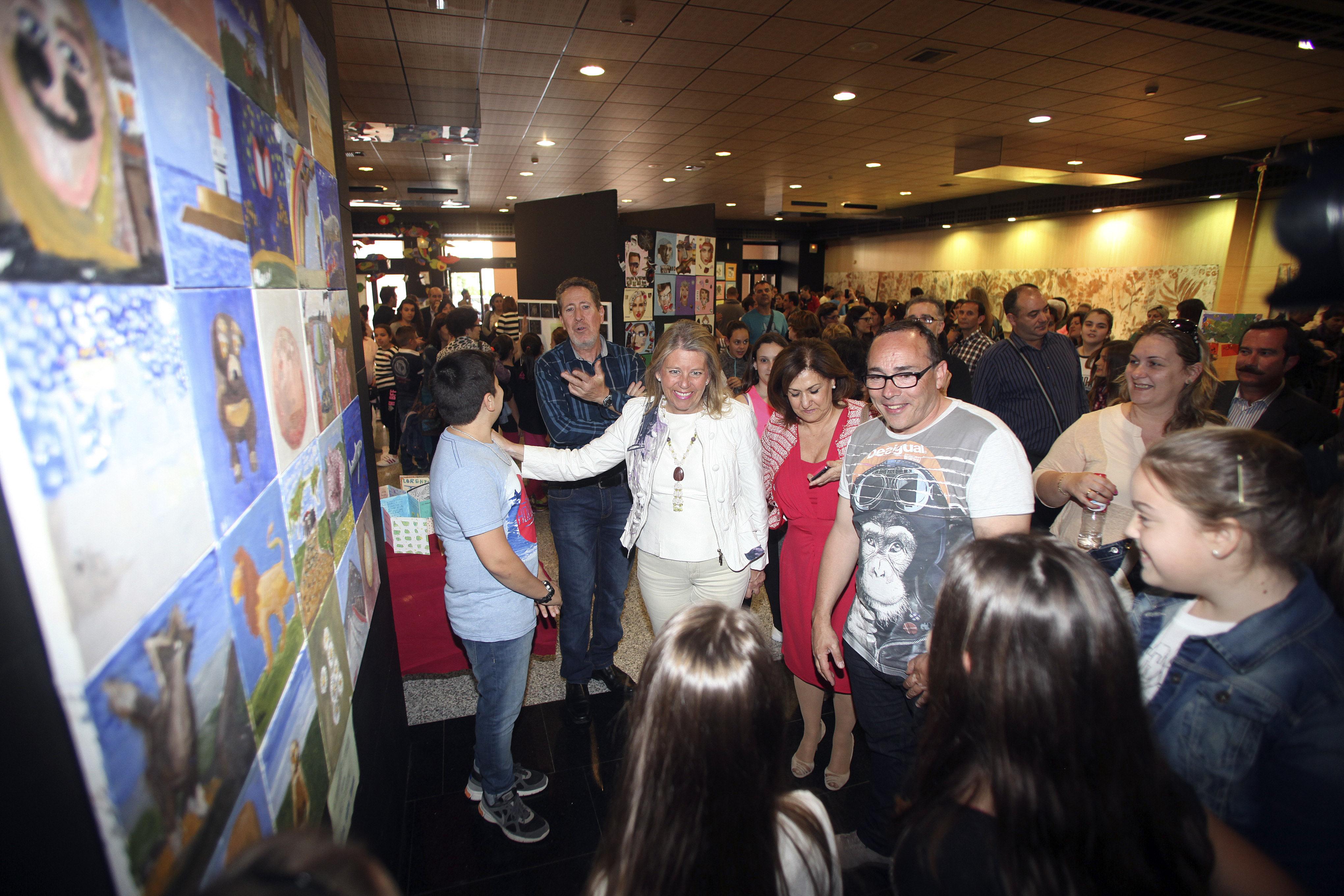 El Palacio de Congresos Adolfo Suárez acogerá hasta el 23 de abril la exposición 'Artistas en el aula. 2014-2015' del CEIP Miguel de Cervantes