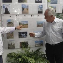 Exposición fotográfica del COIS Marbella sobre las Dunas de Artola en la sede del Distrito 6