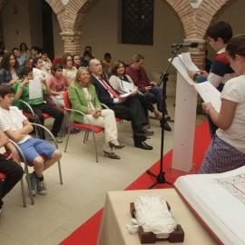 La alcaldesa ha abierto en el Hospital Real de la Misericordia una lectura pública de la segunda parte de El Quijote cuando se cumple el IV Centenario de su publicación