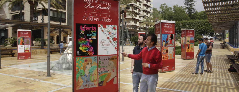 La Avenida del Mar acoge la exposición de los trabajos presentados al Concurso del Cartel Anunciador de la Feria y Fiestas de San Bernabé 2015