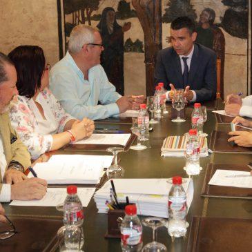El Ayuntamiento acuerda el cese de varios cargos de confianza del anterior Equipo de Gobierno que aún no habían renunciado