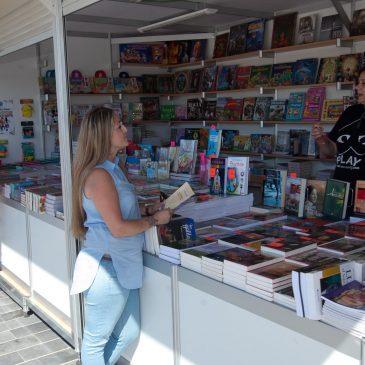 La Feria del Libro de San Pedro Alcántara acogerá el próximo lunes una sesión del 'Taller de Papel'