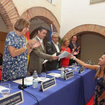 El alcalde apuesta por reforzar las relaciones entre el Ayuntamiento y la UMA en la clausura de los Cursos de Verano
