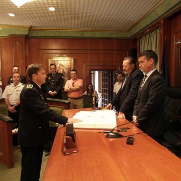 El nuevo jefe de la Policía Local, José Andrés Montoya, toma posesión de su cargo