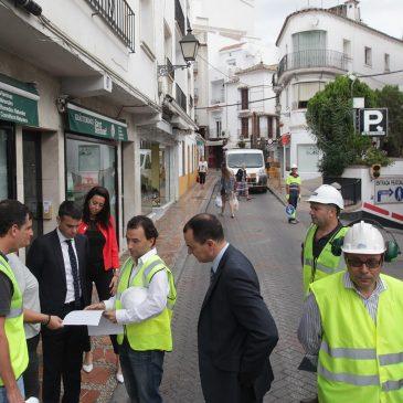 El Ayuntamiento inicia los estudios previos para solucionar la situación que está provocando el antiguo embovedado de Río Huelo en la calle Huerta Chica