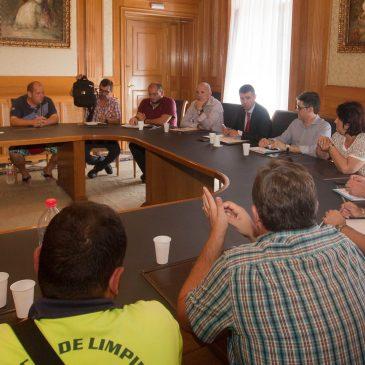 El Equipo de Gobierno inicia las reuniones para la integración en enero de 2016 de los trabajadores de los Organismos Autónomos Locales en el Ayuntamiento