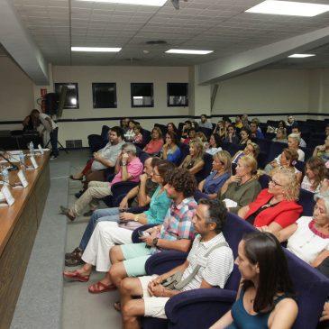 Más de 25 asociaciones y numerosos ciudadanos a título individual han secundado la cita impulsada por la delegación de Derechos Sociales del Ayuntamiento
