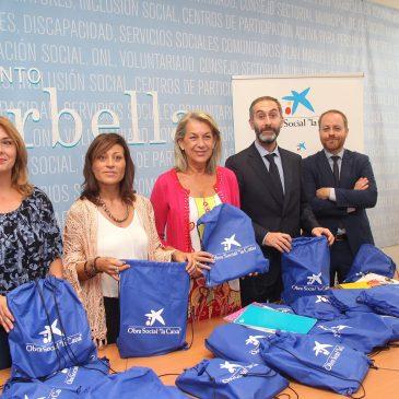 Quinientos escolares de Marbella se benefician de una campaña para facilitar el acceso a la educación de las familias más desfavorecidas