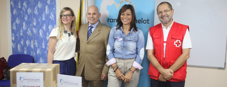 La Asociación Frank Camelot entrega quince lotes de alimentos a Cruz Roja para familias con escasos recursos