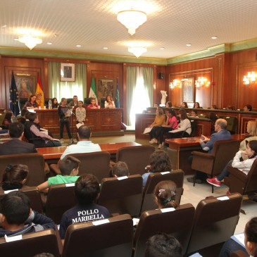Constituido el nuevo Consejo Municipal de la Infancia y Adolescencia para continuar dando voz a los escolares de la ciudad en el Salón de Plenos