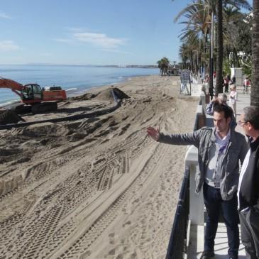 El dragado del Puerto de la Bajadilla repartirá 26.000 m3 de arena en tres playas de Marbella