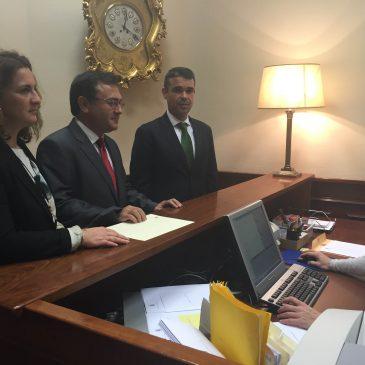 El alcalde presenta una Proposición no de Ley en el Congreso de los Diputados para la creación de un centro asociado de la UNED en Marbella con autonomía propia