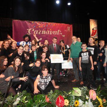 El alcalde ha hecho entrega de los premios del Concurso Infantil de Chirigotas de Carnaval