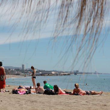 El Ayuntamiento destaca el buen estado de las playas y su alta ocupación durante Semana Santa