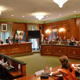 El Pleno da un paso decisivo para disolver las OALES e iniciar la integración de los trabajadores en el Ayuntamiento