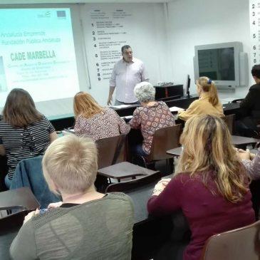 El alumnado del OAL Formación y Orientación Laboral recibe una sesión informativa sobre autoempleo y emprendimiento