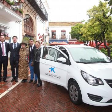 El Ayuntamiento respalda la entrega de un vehículo a Fundatul por parte de la Obra Social La Caixa para el programa Empleo con Apoyo