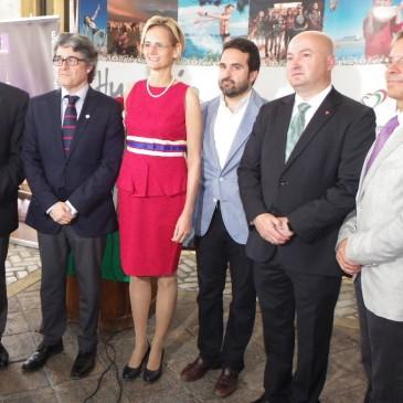 """ANDALUCÍA Y HUNGRÍA ESTRECHAN VÍNCULOS COMERCIALES EN LAS JORNADAS GASTRONÓMICAS QUE SE CELEBRAN EN MARBELLA •Las Jornadas """"Sabores de Hungría""""  han sido organizadas por la Embajada de Hungría en España y el Consulado en Andalucía •El cerdo mangalica y los vinos tradicionales húngaros, entre los productos que se pueden degustar"""