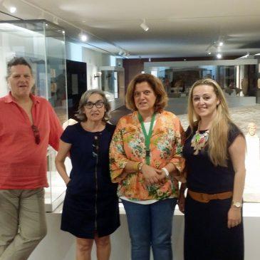 La responsable de Cultura mantiene una reunión con la directora del Museo Arqueológico de Málaga en un nuevo paso para avanzar en la restauración del mosaico de Medusa