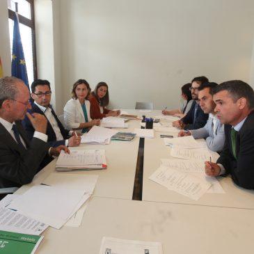 Marbella y Málaga aúnan sinergias en torno a sus planes estratégicos para alcanzar ciudades más habitables y sostenibles