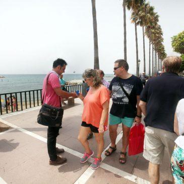 El Ayuntamiento e Hidralia repartirán 6.000 ceniceros para mantener limpia y libre de colillas las playas del municipio