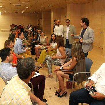 El concejal de Comercio respalda el evento 'Speed Networking' en el Palacio de Congresos Adolfo Suárez