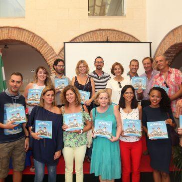 El Ayuntamiento y la Asociación Marbella Activa entregan a los centros educativos los ejemplares del libro ilustrado 'Descubre Marbella y San Pedro'