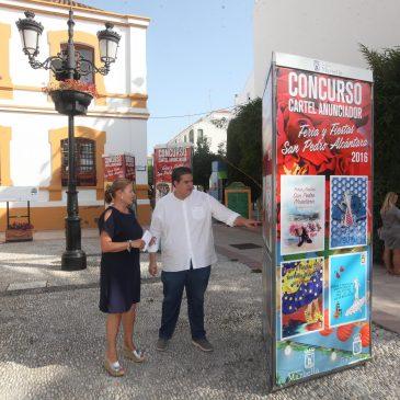 Más de 70 carteles componen la exposición de los carteles de la Feria de San Pedro Alcántara 2016