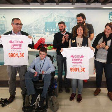 El Ayuntamiento respalda la entrega del cheque con la recaudación de la carrera nocturna de Deportistas Por Una Causa a Debra y AVOI
