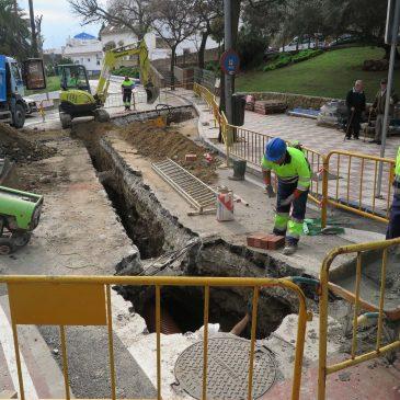 El Ayuntamiento continúa las mejoras en la red de saneamiento en la confluencia de las avenidas Maíz Viñals y Europa