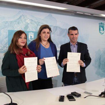 El Ayuntamiento firma un convenio con Aspandem con un importe de 221.000 euros para garantizar el mantenimiento diario de la asociación