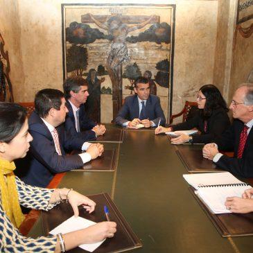 El Ayuntamiento mantiene una reunión con CIT Marbella y la Asociación de Constructores y Promotores de Málaga para abordar cuestiones relativas al urbanismo en la ciudad