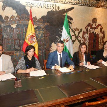 El alcalde entrega las llaves de sus oficinas a los primeros emprendedores que ocuparán el Vivero de Empresas de Marbella