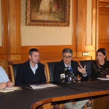 El Ayuntamiento y la Junta abordan con músicos locales el borrador del nuevo decreto autonómico que regulará la actividad recreativa y de ocio