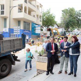 Ayuntamiento y Junta renuevan la red de saneamiento de calle Calvario tras los daños que ocasionó el temporal de diciembre