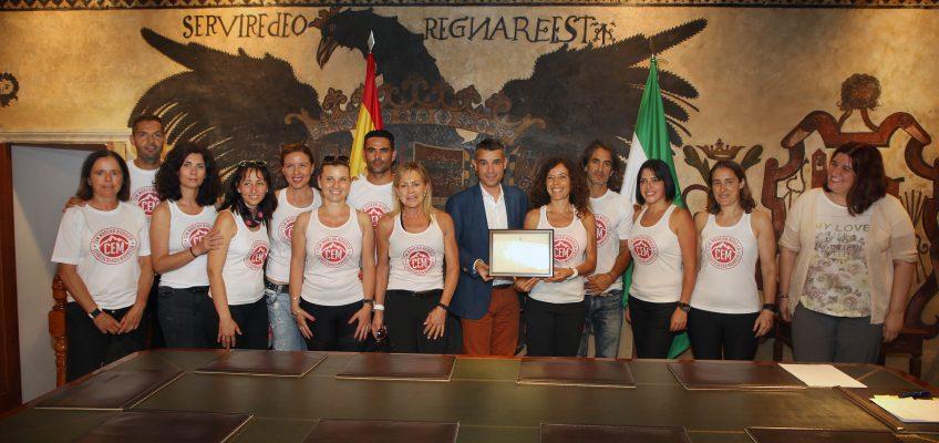 El alcalde recibe a deportistas locales por sus recientes éxitos en distintas disciplinas