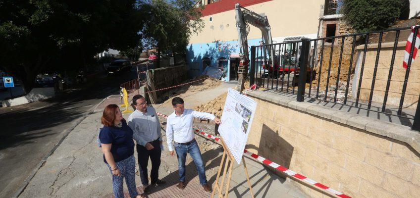 El Ayuntamiento asume la reconstrucción de una escalera y varios muros afectados por las inundaciones de diciembre en la zona de La Patera