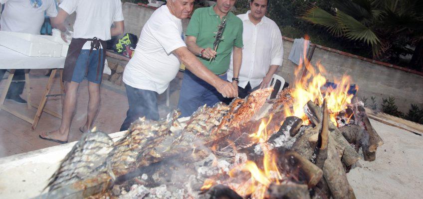 El alcalde asiste a la inauguración de la Verbena de la Virgen del Carmen
