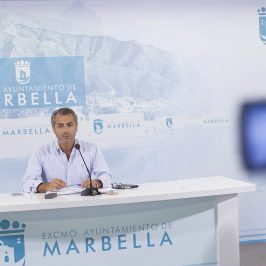 """El Ayuntamiento impulsa actuaciones en los mercados y mercadillos, que """"fueron abandonados por el anterior Gobierno"""""""